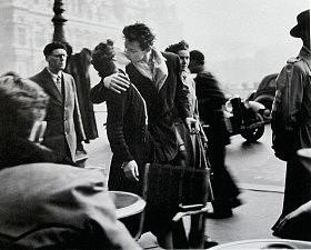 Поцелуи в весеннем париже